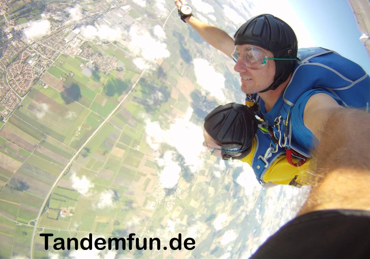 Fallschirmspringen-Tandemsprung-Gutschein-Rothenburg-Ansbach