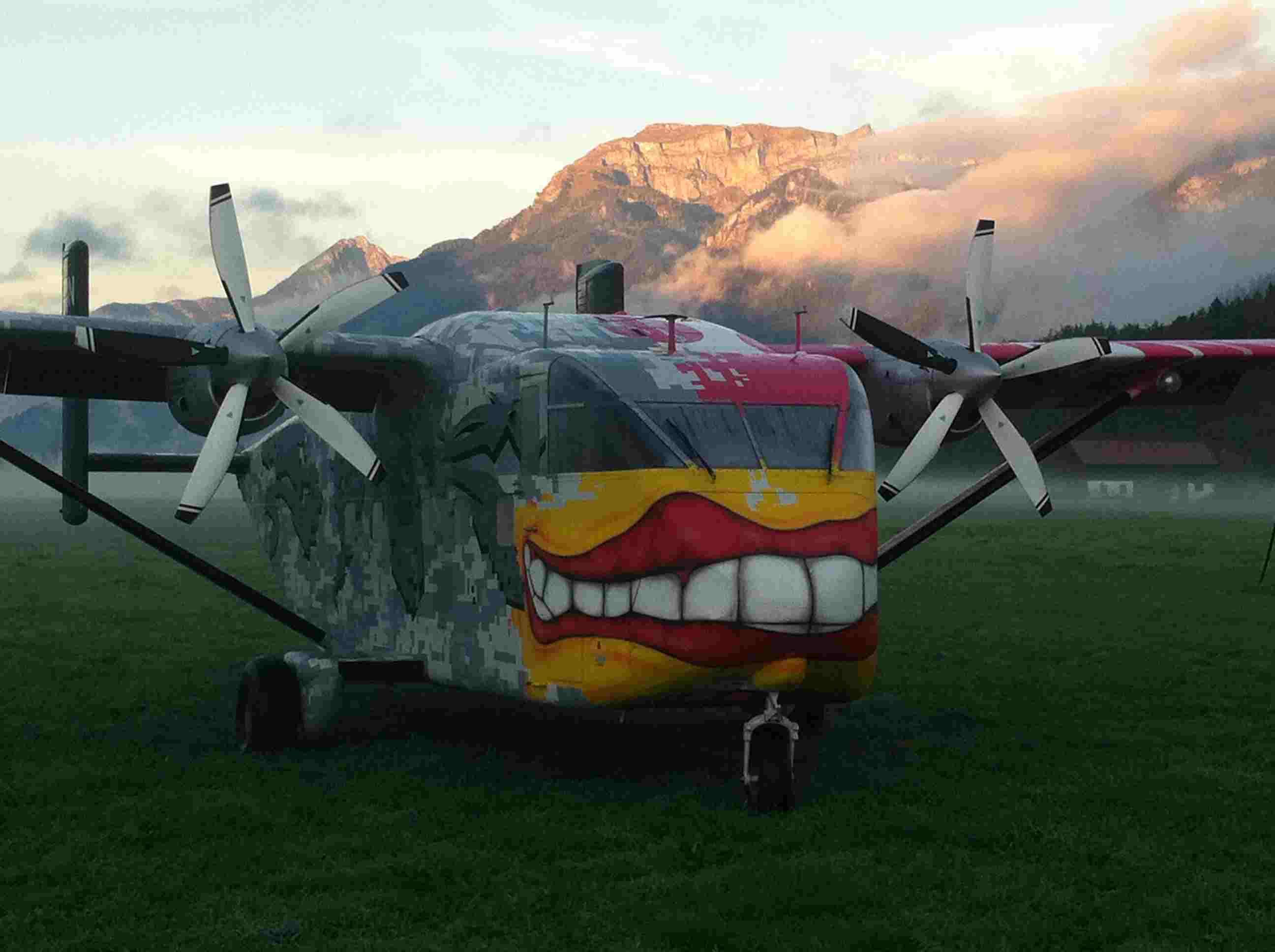 Fallschirmsprung-Radfeld-Tirol